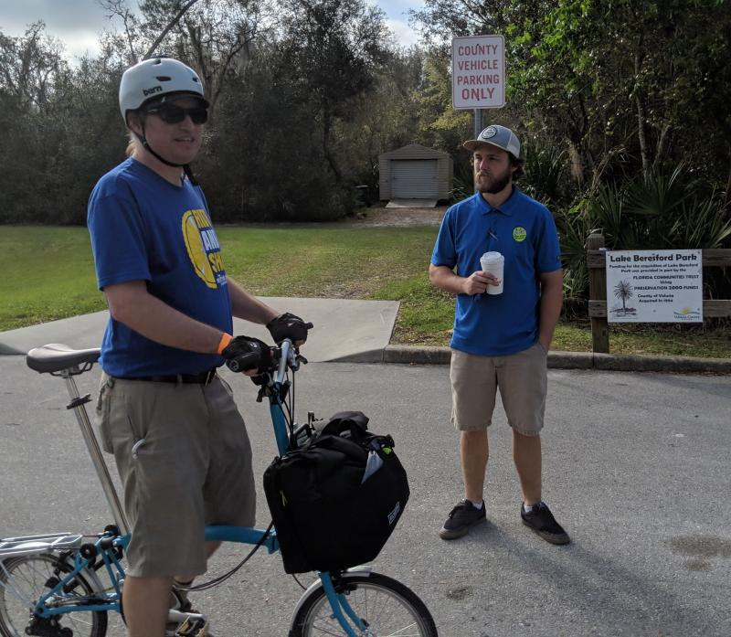 Ryan from JC's Bike Shop chats with Jason Aufdenberg at Beresford Park
